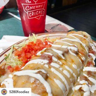 Burritos and burgers cause we're multidimensional like that ✨🔥 📸@5280foodiez #cherrycricket #regram #topofthetown #5280tott #denverlocal #burgerjoint #burritolovers #denverfoodforeal #303eats